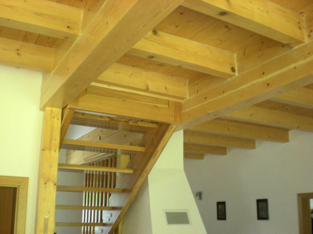 Průhyb dřevěného nosníku výpočet
