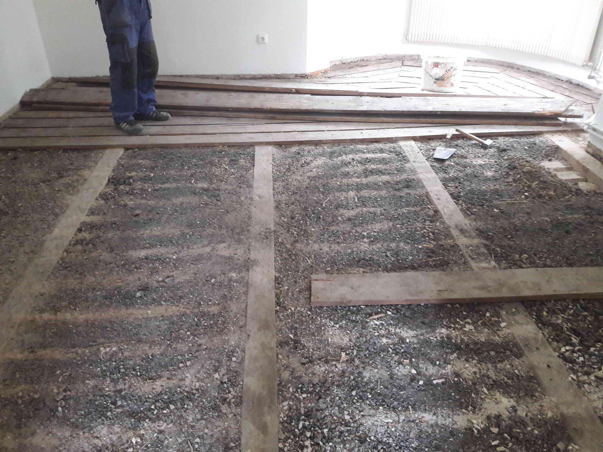 Podlaha na trámovém stropu